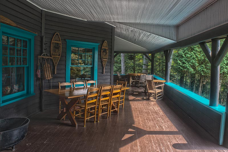 Large porch with dining table