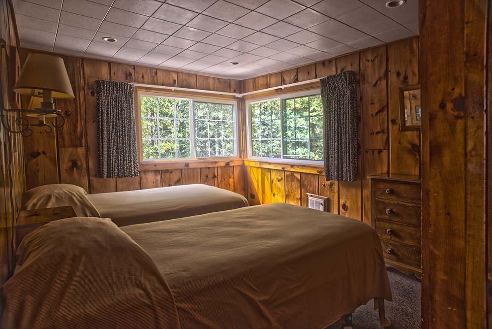 2 bedrooms in corner room